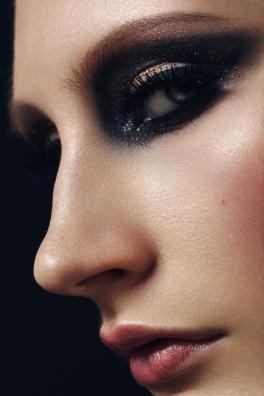 Foto: Christine Lutz • Model: Neele Busse • Hair & Make-Up Artist: Nadia Krist