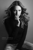 Photo: Anna Lämmle • Model: Carolin @ Brodybookings Model Agency • Make-Up & Hair: Nadia Krist