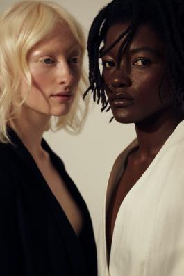 Foto: Lisa-Ann • Models: Sara & Pascale • Hair & Make-Up Artist: Nadia Krist
